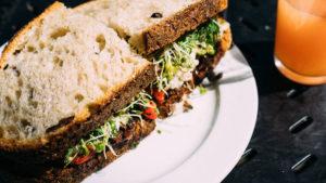 i carboidrati di un panino hanno effetti diversi rispetto agli zuccheri semplici