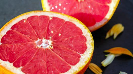 il pompelmo è ricco di vitamine