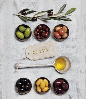 fonte di vitamina e potente antiossidante sono le olive e l'olio