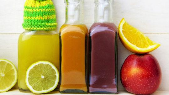 bottigliedi succhi di frutta per diete detox